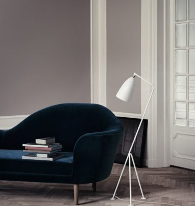 Gräshoppa Floor Lamp_Matt -White_Grand Piano Sofa-800x800
